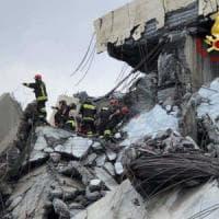 Quaranta vigili del fuoco di Torino impegnati nei soccorsi a Genova