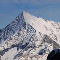 Due alpinisti muoiono cadendo per 900 metri dal Weisshorn, a nord del Cervino