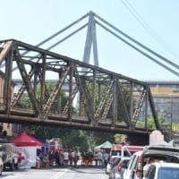 Dopo il crollo del ponte Morandi, i pendolari verso Genova lanciano il car