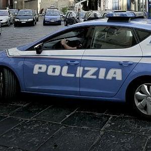 Barriera di Milano, rivolta contro gli agenti che eseguono uno sfratto
