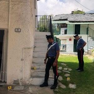 Canavese, pensionato litiga con il vicino e gli spara quattro colpi di pistola