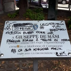 Profanata con scritte oscene la lapide di Demasi, una delle vittime della Thyssen