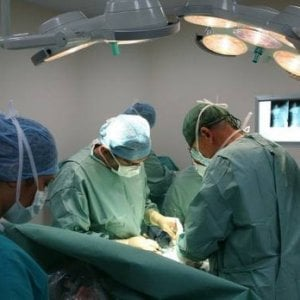 Torino: paralisi del volto, un intervento fa ritrovare il sorriso