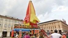 Torino, piazza San Carlo si colora con gli Hare Krishna-Food for life