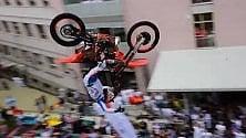 Show di acrobati in moto  per i piccoli pazienti    del Regina Margherita