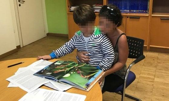 Non ha tutti i vaccini: bimbo in classe da solo alla materna