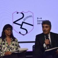Un nuovo logo per i 25 anni di Artissima, che apre anche ai bambini