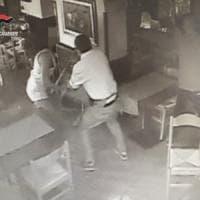 Lanzo, rissa al bar tra una coppia, l'ex moglie e la figlia, quattro denunciati