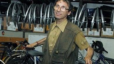 Artigiano ucciso a Vercelli, la svolta: c'è un secondo indagato, sequestrato un coltello