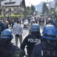 Bardonecchia blindata per il corteo pro-migranti, ma in piazza scendono