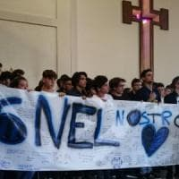 Novi ligure: funerali tinti di nerazzurro per Simone, il 18enne per cui