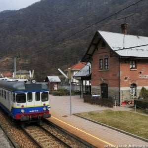 Torino, guasti sulle linee ferroviarie Torino-Ceres e Torino-Bra. Treni in ritardo anche di 40 minuti