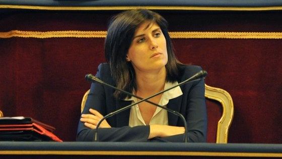 """Torino, lo staff della sindaca costa 1,5 milioni più di quello di Fassino. Lei replica: """"Non è così"""""""