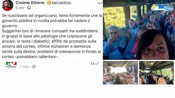 """Corteo Pd, portavoce 5 Stelle offende manifestanti e malati: """"Diabetici, dementi, affetti da Alzheimer"""""""