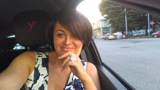 Torino: la nuova vita da tassista dell'ex deputata del Pd Paola Bragantini