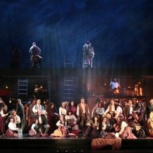 """Torino, lettera al pubblico della prima: """"Siamo preoccupati, ma il Trovatore va in scena"""""""