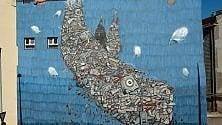 Torino, balene e delfini nel cuore della città antica con lo street artist MrFijodor