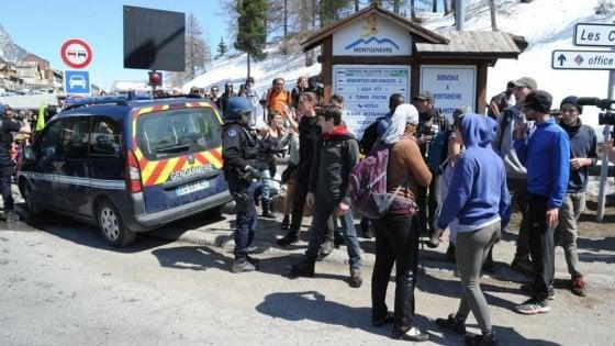 Migranti, tensione al confine tra Italia e Francia