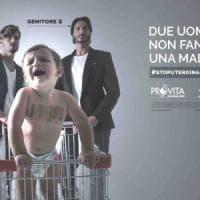 """Campagna shock contro coppie gay con figli, Appendino: """"Famiglie nate dall'amore,..."""