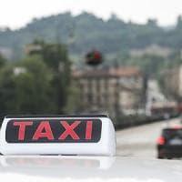 Guerra dei taxi a Torino, l'Antitrust indaga per abuso di posizione dominante