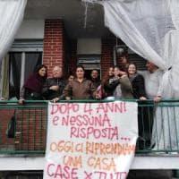 Torino, soluzione fai-da-te per una famiglia senza casa: occupato un alloggio