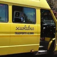 Torino, i bambini rom hanno di nuovo il loro bus per andare a scuola