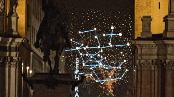 Torino, addio Luci d'Artista in via Roma e via Lagrange: la giunta Appendino le sposta in periferia, scoppia la polemica