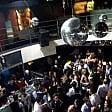 Spray al peperoncino nella discoteca gremita, fuggi fuggi generale e malori