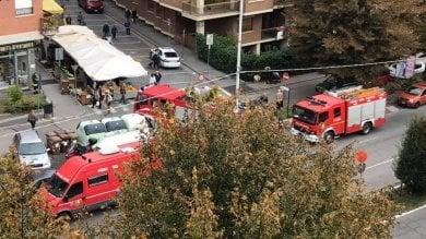Fuga di gas, evacuato dai vigili del fuoco il mercato rionale di Cascine Vica