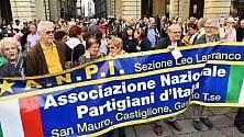 Torino, mille in piazza contro il pericolo  di una svolta autoritaria