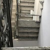Torino, crollano le scale di un palazzo: 50 persone evacuate