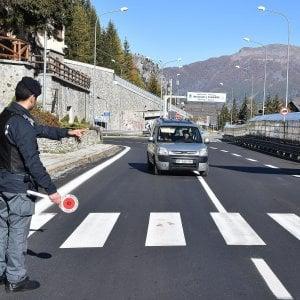 """Salvini denuncia: """"La Francia respinge illegalmente i minori al confine di Claviere"""""""