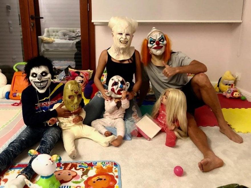 """Torino, quel """"mostro"""" di Ronaldo: foto di famiglia sui social con i costumi di Halloween"""