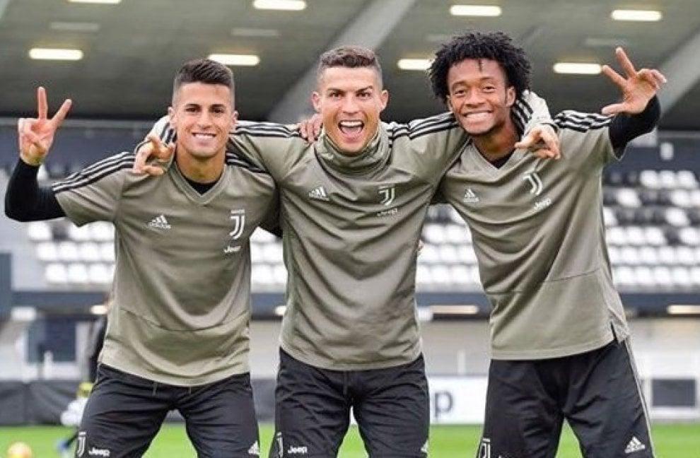 """Ronaldo con Cancelo e Cuadrado, sui social è """"top"""""""