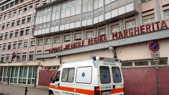 San Maurizio Canavese, ragazzino di 13 anni precipita dal tetto: rischia la vita