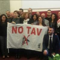 Torino, consigliera 5 Stelle insulta i manifestanti pro Tav: