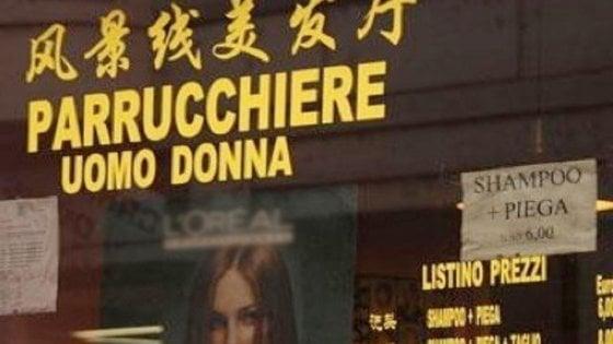 Asti, nel coiffeur cinese assunte (e sottopagate) le parrucchiere italiane costrette a chiudere bottega