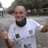 Caporaso festeggia il record di supermaratona con i colleghi di Mc Donald's
