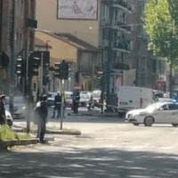 Torino, scontro auto- scooter in corso Re Umberto: grave il centauro