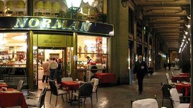 Cento chili di alimenti mal conservati  al caffè Norman: 28mila euro di multa