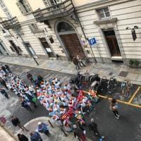 """Torino, sit in davanti alla Regione contro gli """"istituti ghetto"""" per studenti disabili"""