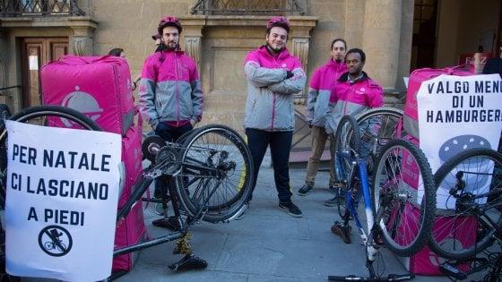 Torino, legge regionale vieta di pagare i rider a cottimo per ogni consegna