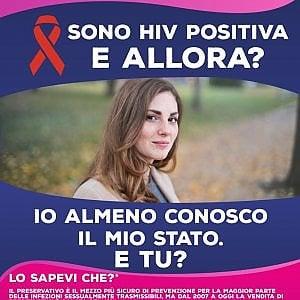 """""""Sono HIV positivo, e allora?"""", campagna choc del Comune di Torino"""