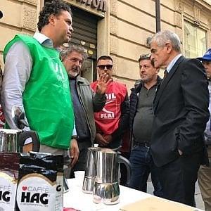 Torino, il caffè Hag all'ultima tazzina: la fabbrica chiude per sempre, in 54 senza lavoro
