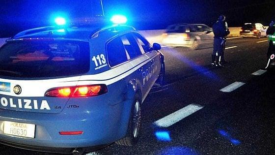 Vercelli: travolto e ucciso dalle auto mentre cammina in autostrada nella nebbia