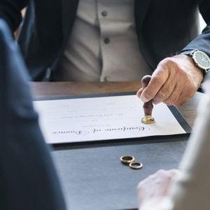 Biella, per partecipare all'udienza di divorzio non rispetta il decreto di espulsione