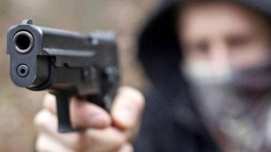 Minaccia di chiamare i carabinieri e loro scappano, sgominata banda di rapinatori fifoni