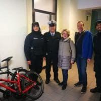 Restituite a due turisti austriaci le biciclette rubate a settembre in piazza