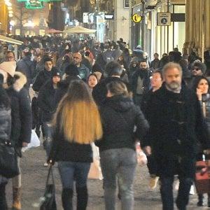 """Torino, aggressione razzista in via Lagrange: """"Sto telefonando, spegni quella musica, negra"""""""