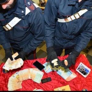 Torino: spacciatore arrestato, i vicini di casa applaudono i carabinieri